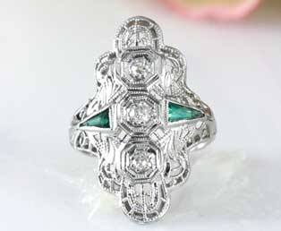 Deco Emerald Filigree Ring