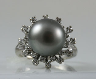 Natural Tahitian Pearl Diamond Ring