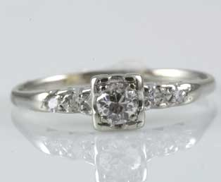 Ladies Vintage Engagement Ring