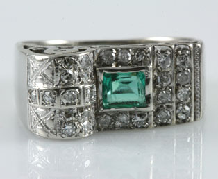 1930s Emerald Diamond Ring
