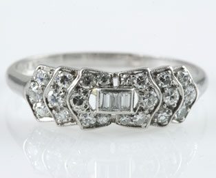 Ladies Diamond Platinum Engagement Ring