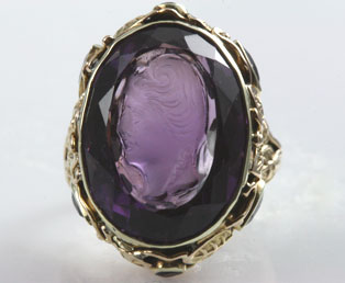 Amethyst Cameo Gold Ring
