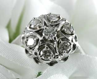 Elegant Round Diamond Ring