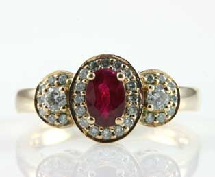 Vintage Ruby Diamond Gold Ring