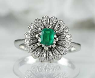 Art Deco Emerald Flower Ring