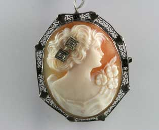 Antique Cameo Shell Brooch